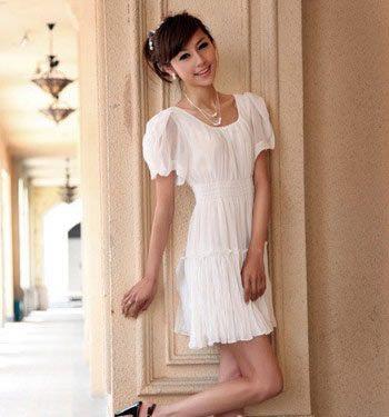 矮个女生连衣裙穿法 高挑修长感